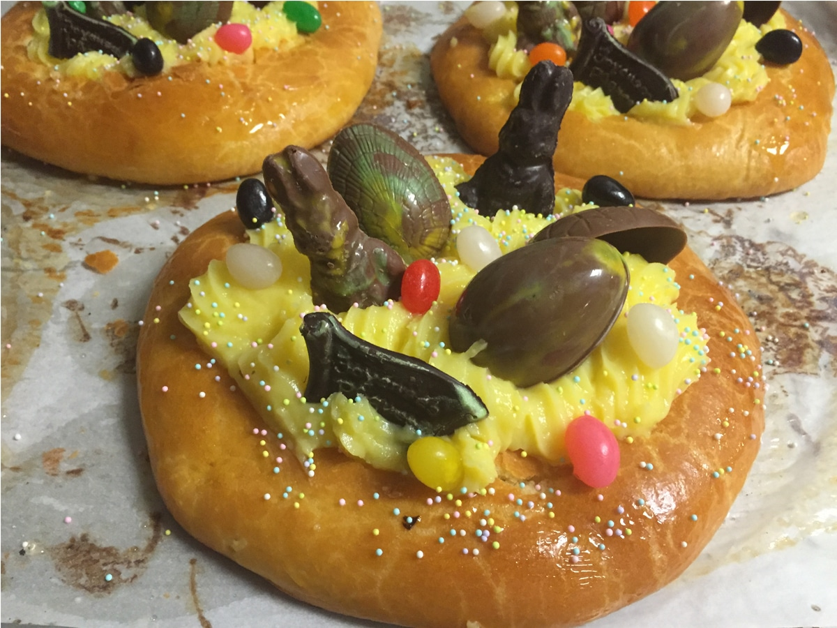Easter Brioche (pastry cream)