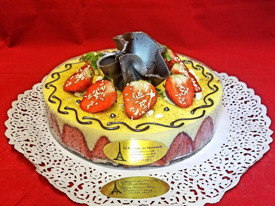 Strawberry cake 6p